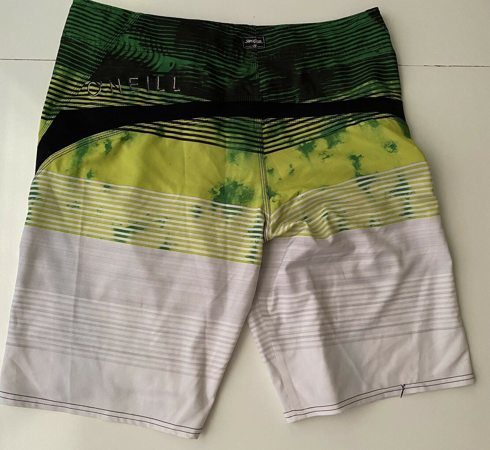 O'Neill Men's Green/White Shorts Size 33 US