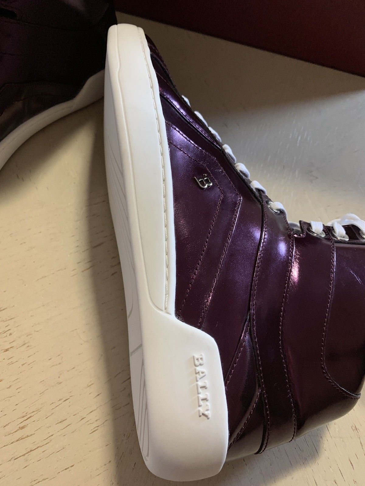 New $700 Bally Men Eticon Leather High
