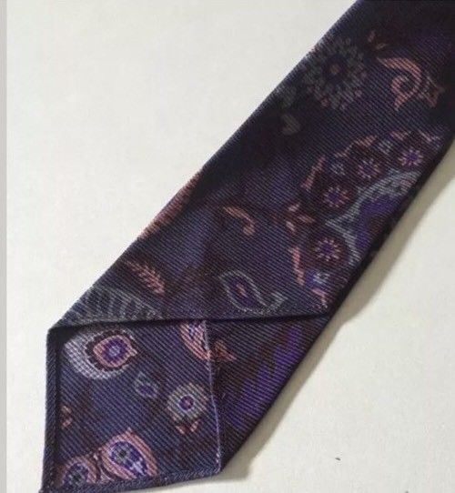 New $220 Gucci Tie Skinny 100% Silk Multi-Color Made in Italy - BAYSUPERSTORE