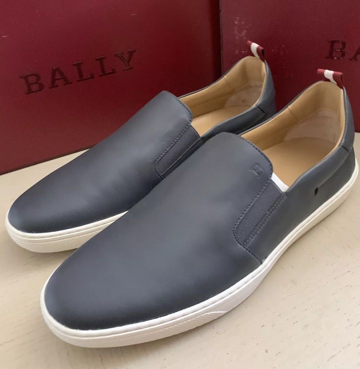 New $510 Bally Men Orniel Leather Sneakers Shoes Color DK Gray 9 US Switzerland