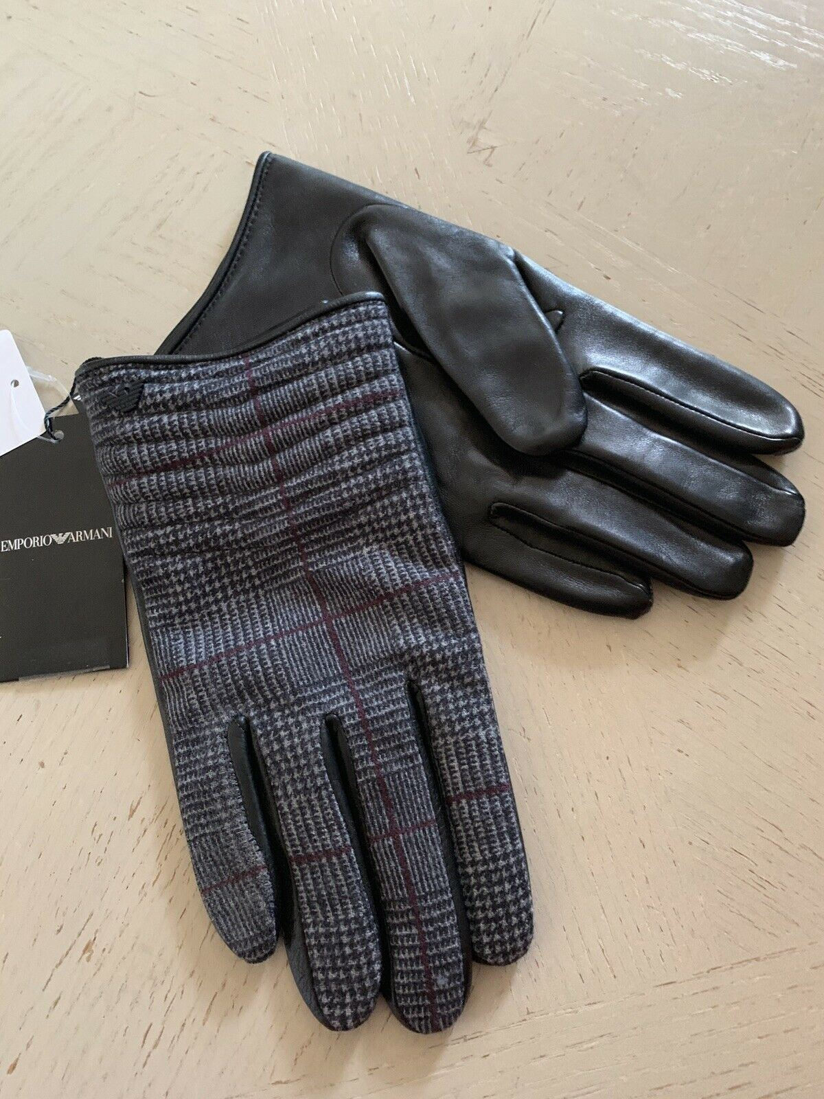 cf52d0436ad19 NWT $345 Emporio Armani Mens Leather/Wool Gloves Blak /Gray Size M Italy