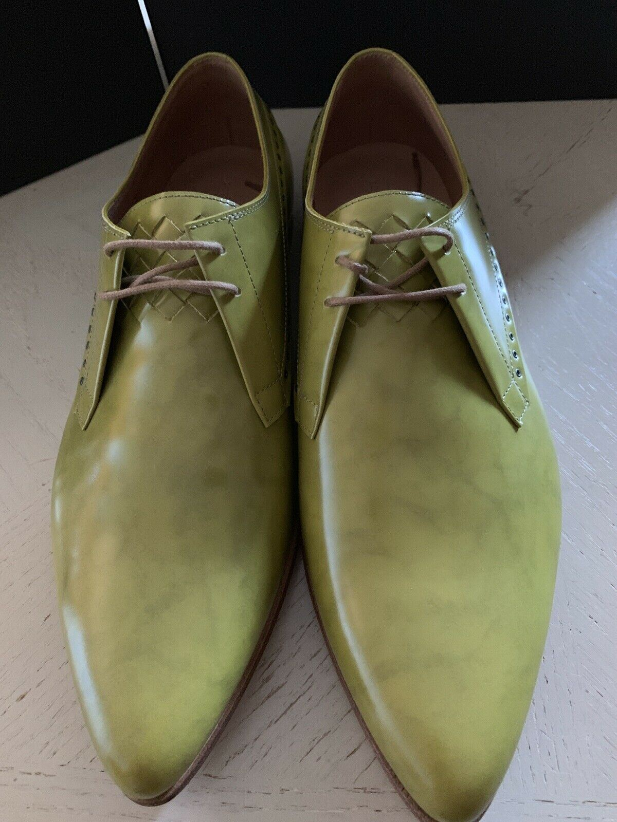 NIB $860 Bottega Veneta Mens Leather Shoes Color Chamomile 10.5 US ( 43.5 Eu )