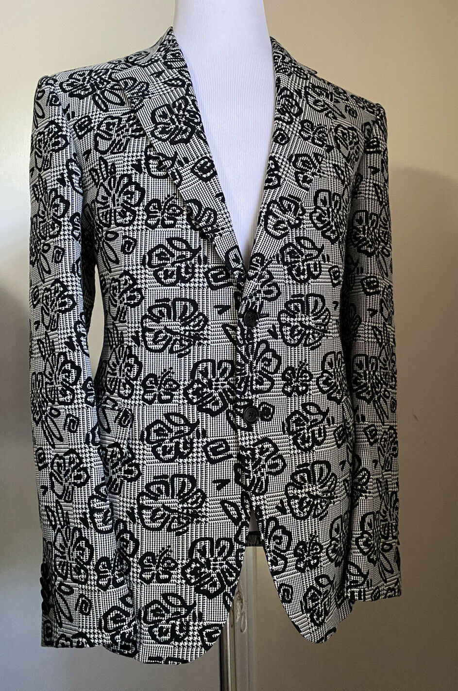 New $3795 Versace Mens Suit Black/White 44R US ( 54R Eu ) Italy