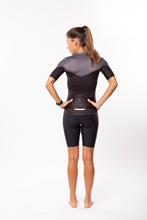 Load image into Gallery viewer, women's luceo premium cycling jersey - deux x noir