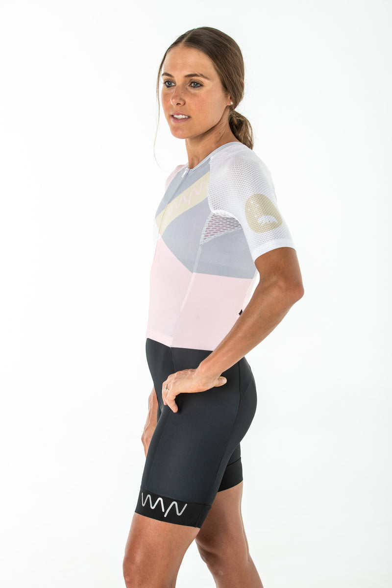 women's carrefour aero+ sleeved triathlon suit 2.5 - leucadia *SALE*