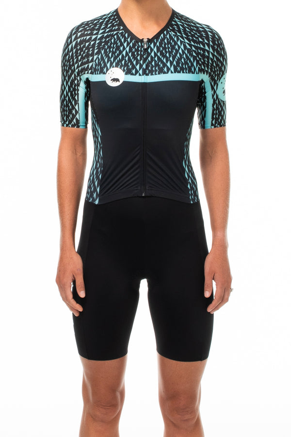 Women's WYN republic Transcend tri suit. Black and teal one-peice triathlon suit.