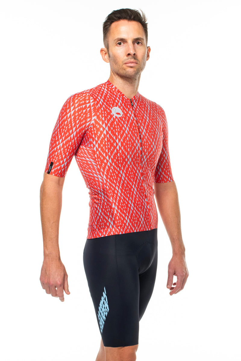 Right view of Fuse cycling jersey.  Breathable cycling jersey.