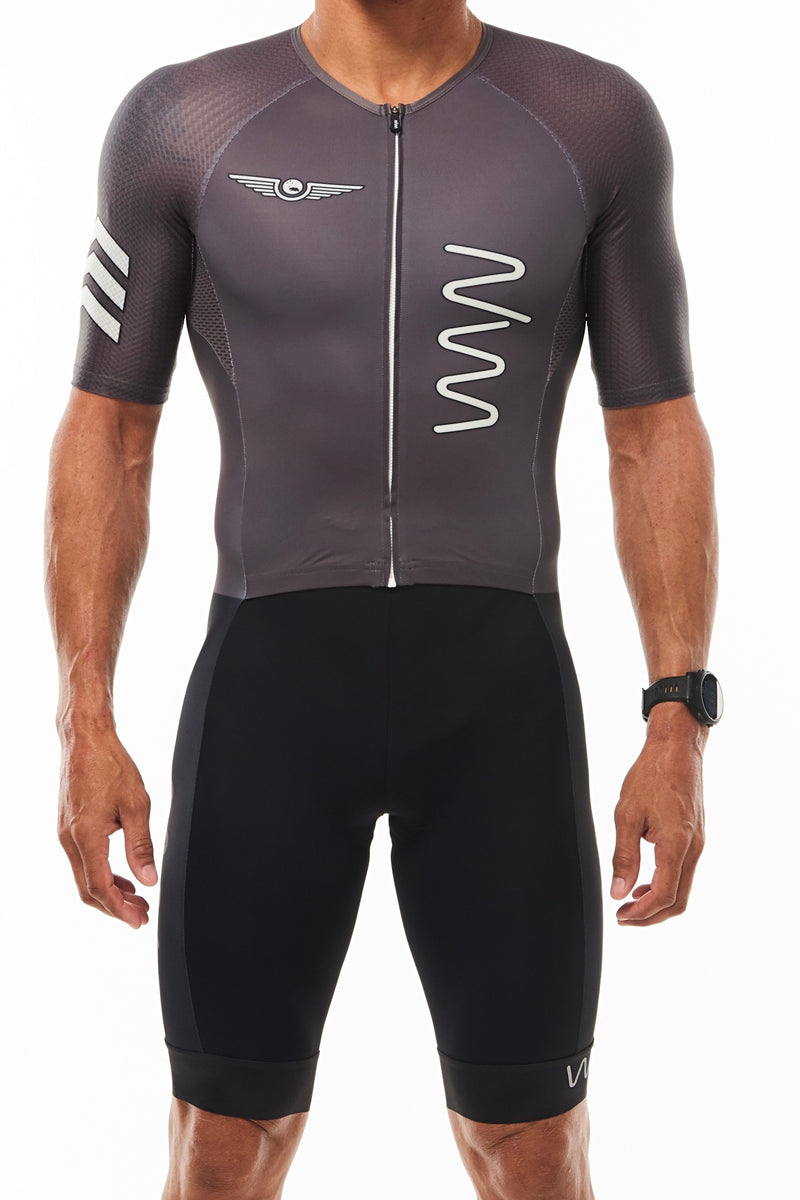 WYN republic Zeppelin men's grey triathlon suit. Aerodynamic sleeved triathlon suit.