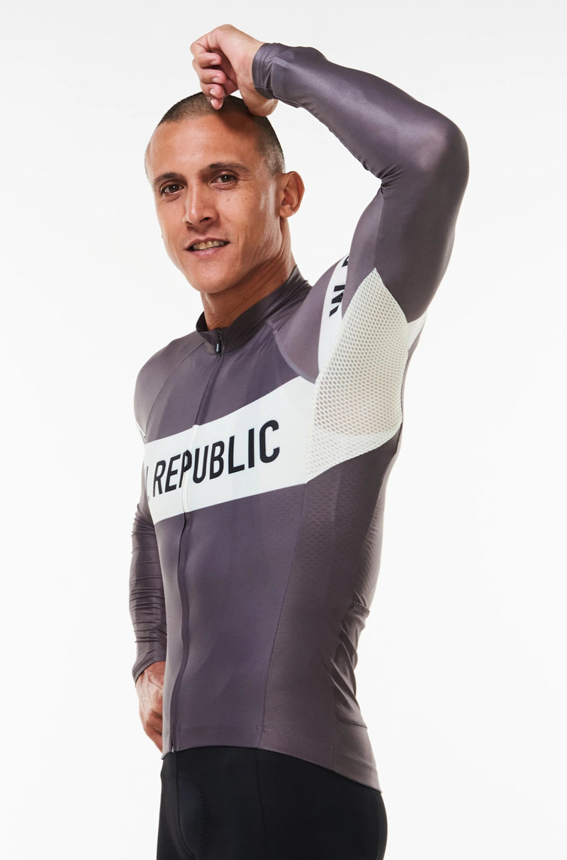 Raised left arm Zeppelin Summer Long Sleeve Jersey. Lightweight jersey with ventilated fabric.
