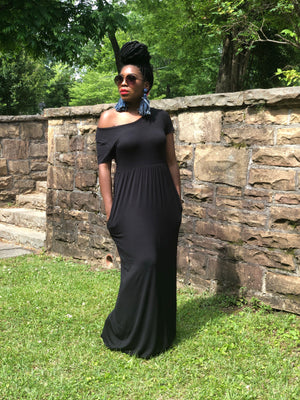 Mom Vibe 2.0 maxi dress(Black)