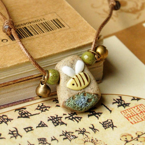 Bee ceramic necklace Trendystrike