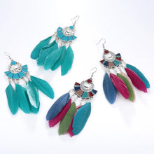 Load image into Gallery viewer, Ethnic feather earrings