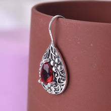 Load image into Gallery viewer, Vintage ruby earrings