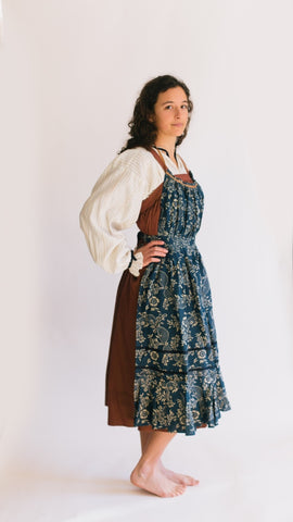 3f28f252c3d 128 Russian Settler's Dress - The pattern for the dress and apron is very  simple and easy to fit, especially if you do the
