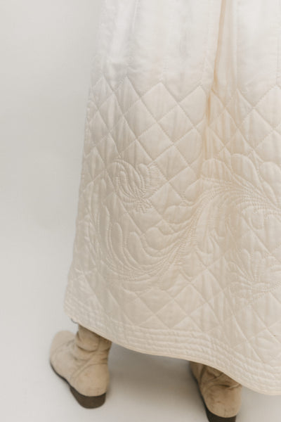 white quilted skirt - close up on the quilting