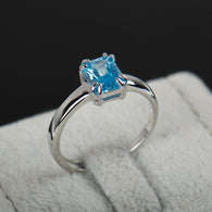 Classic Sea-Blue Engagement Ring