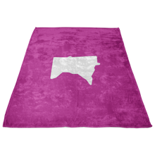 Minnesota Fleece Blanket in Pink and White Side View