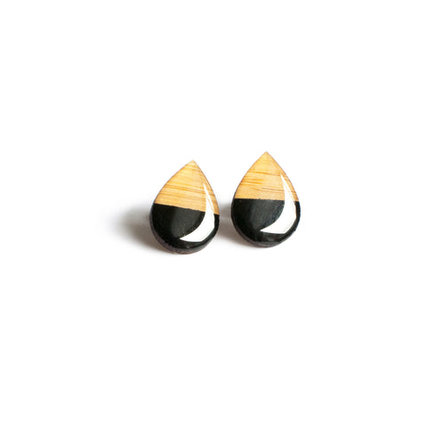 Large tear drop studs - Black
