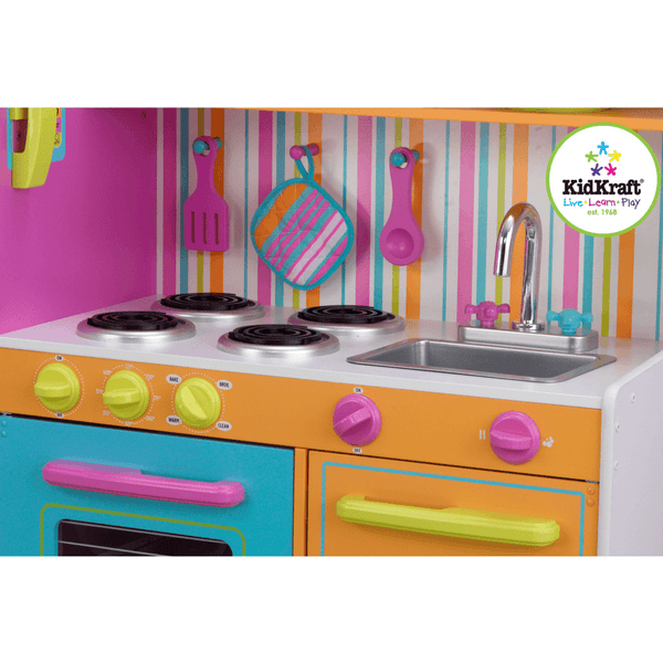 Deluxe Big and Bright Kitchen - Salsa and Gigi