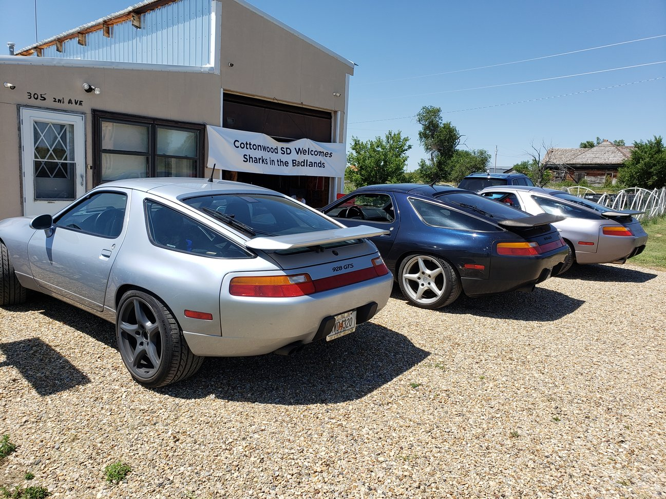 sharks in the badlands 928s event 928s parked