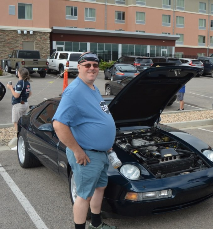 sharks in the badlands 928s event checking out engine
