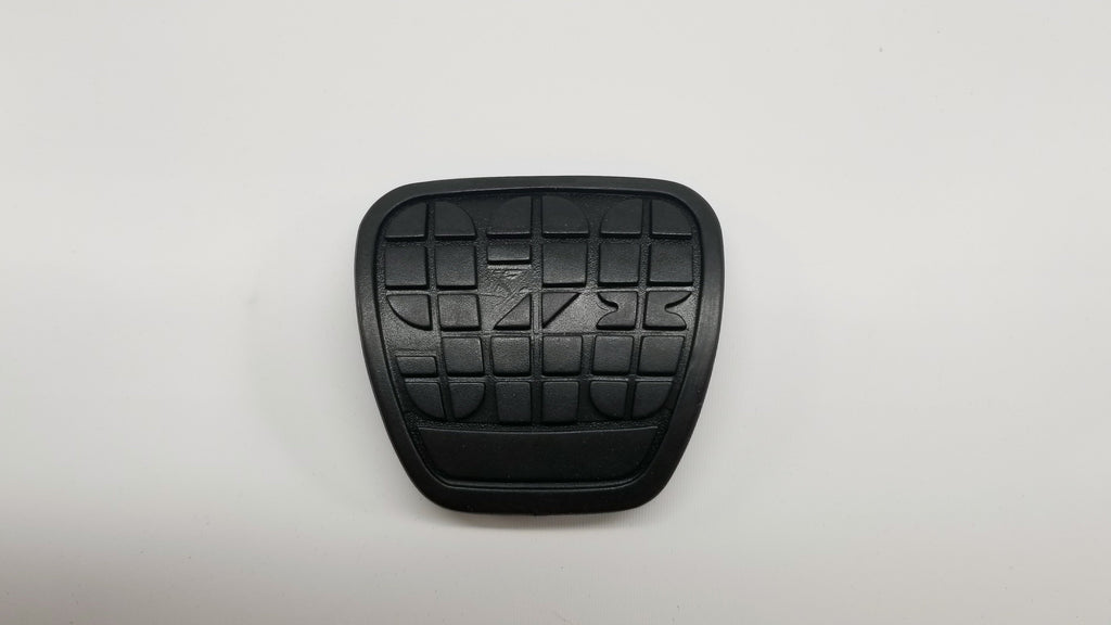 These are black pedal rubber pads for manual brake and clutch for Porsche 928s.