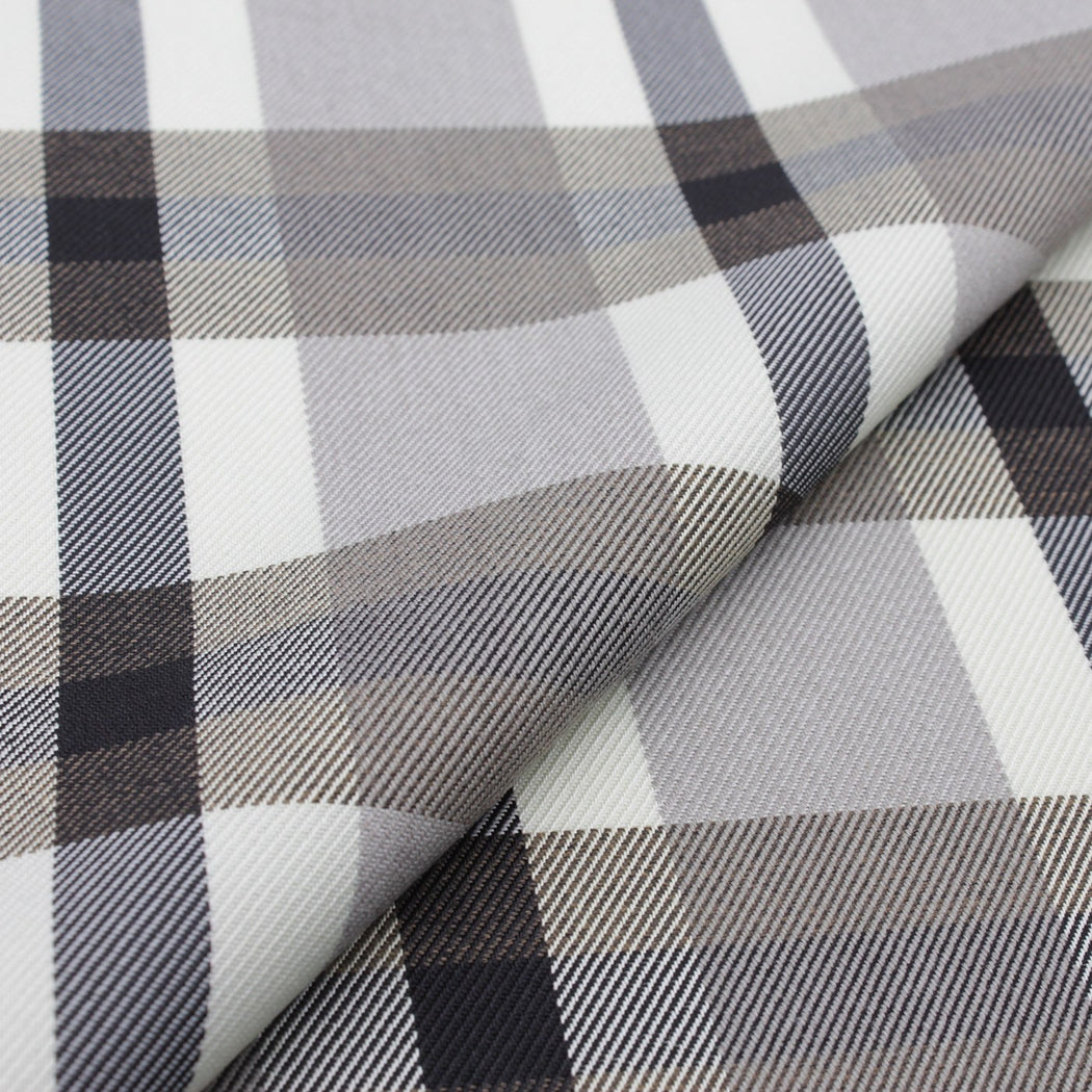 Graceful Plaid Pocket Square