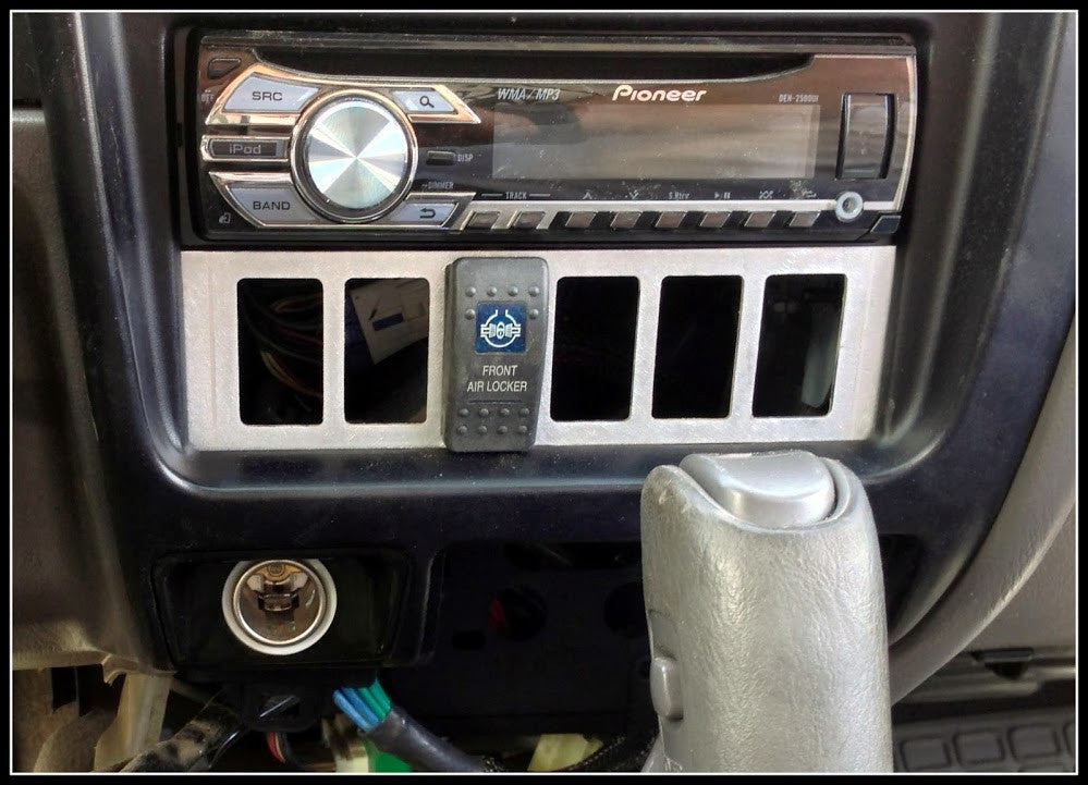 1st Gen Tacoma Din Switch plate (6 switch holes)