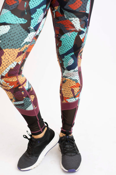 19.01.22A Kaleidoscope Camo Workout Leggings