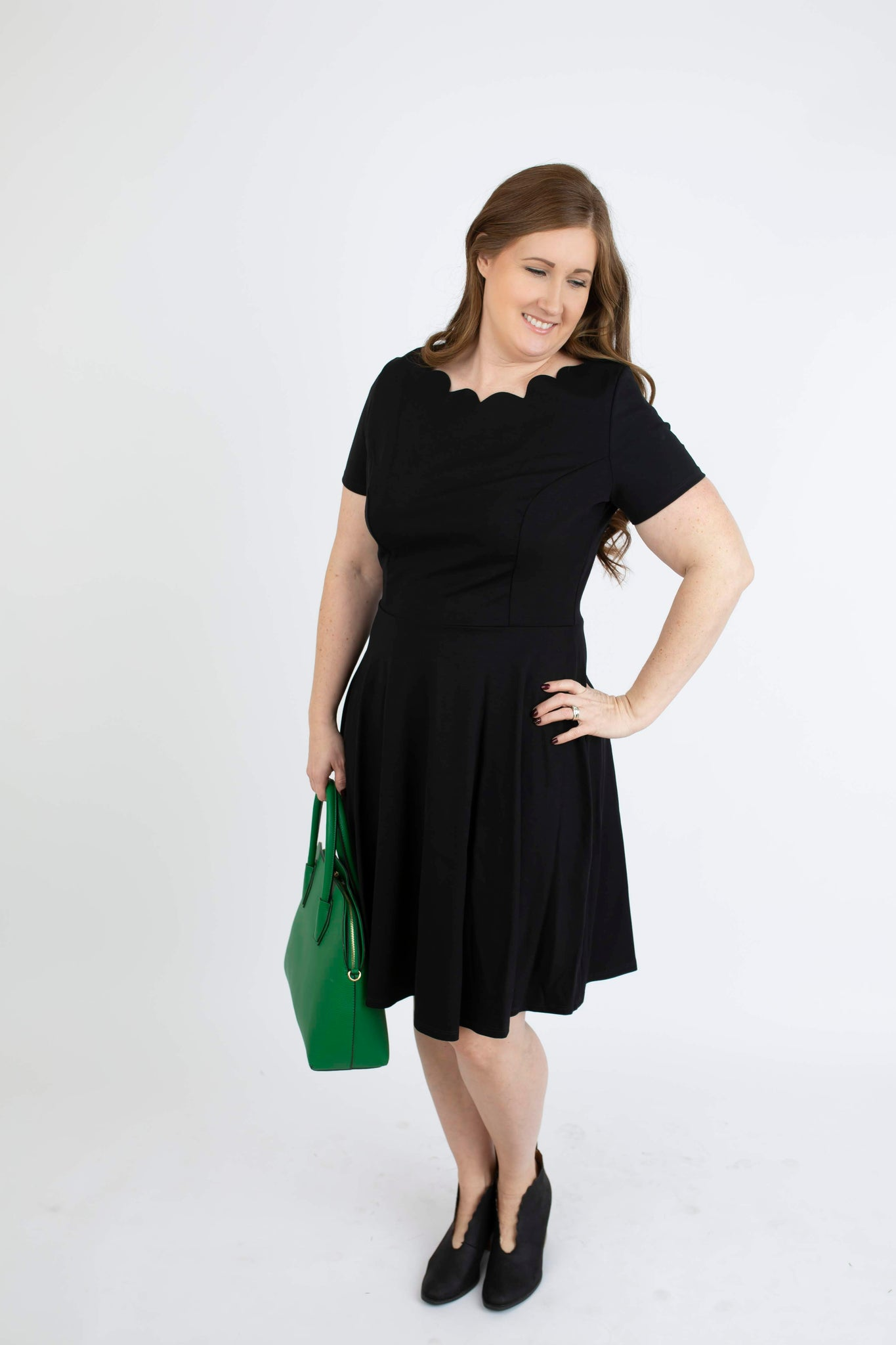 18.12.04E Black Scallop Midi Dress- Curvy