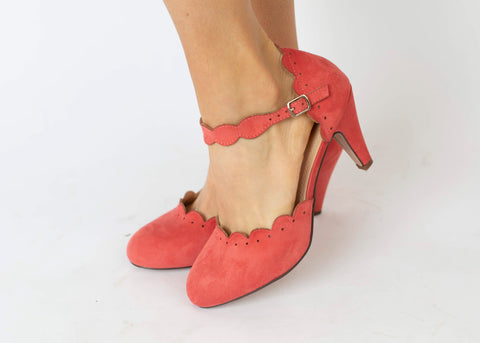19.04.02B Coral Suede Heels with Scallop