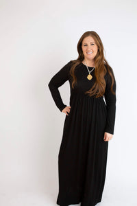 18.12.13B Black Solid Long Sleeve Maxi Dress- Curvy