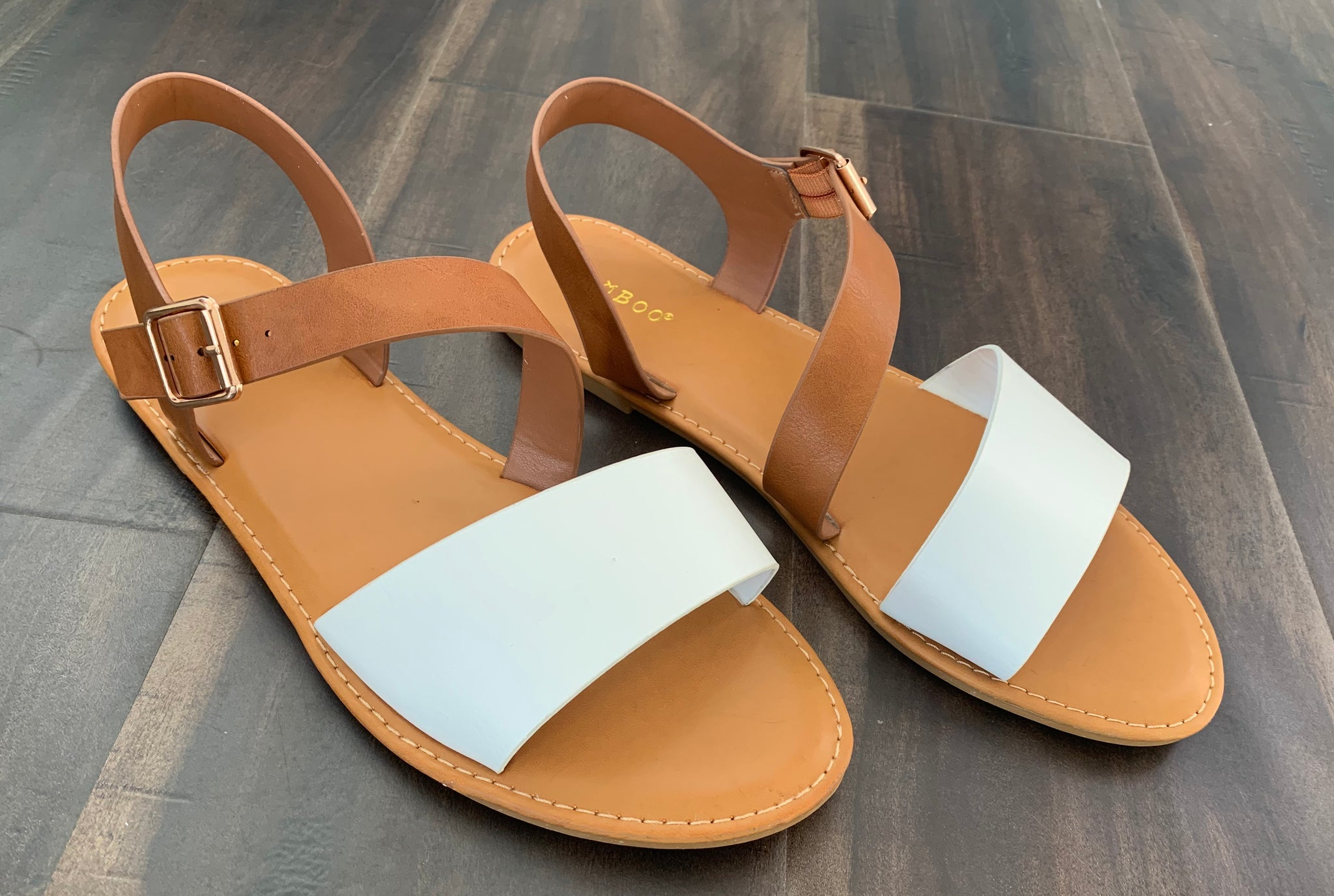 Madison Flat Sandal-White/Leather Brown 19.07.09A