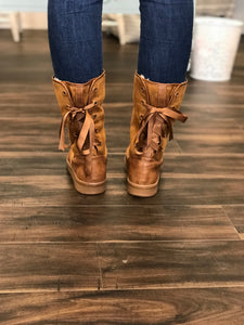 18.08.27G Camel Lace Up Boot