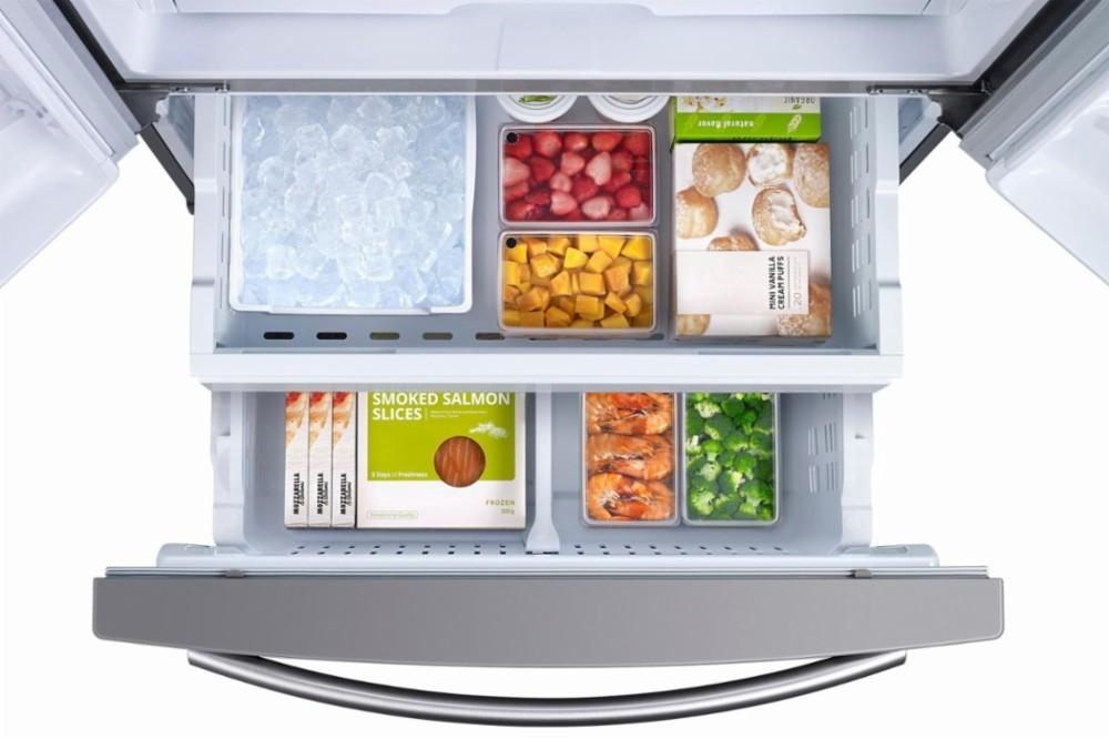 Samsung - 25.5 Cu. Ft. French Door Refrigerator with Filtered Ice Maker - Stainless steel Model:RF260BEAESR