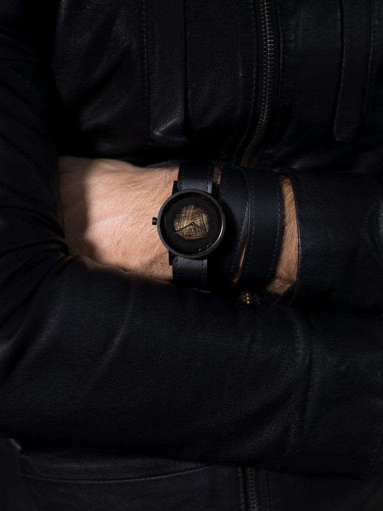 AVANT Emerge Triple black Watch