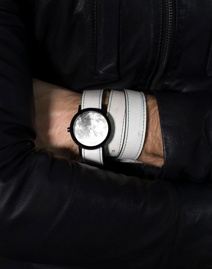 Diffuse Invert Triple White Watch