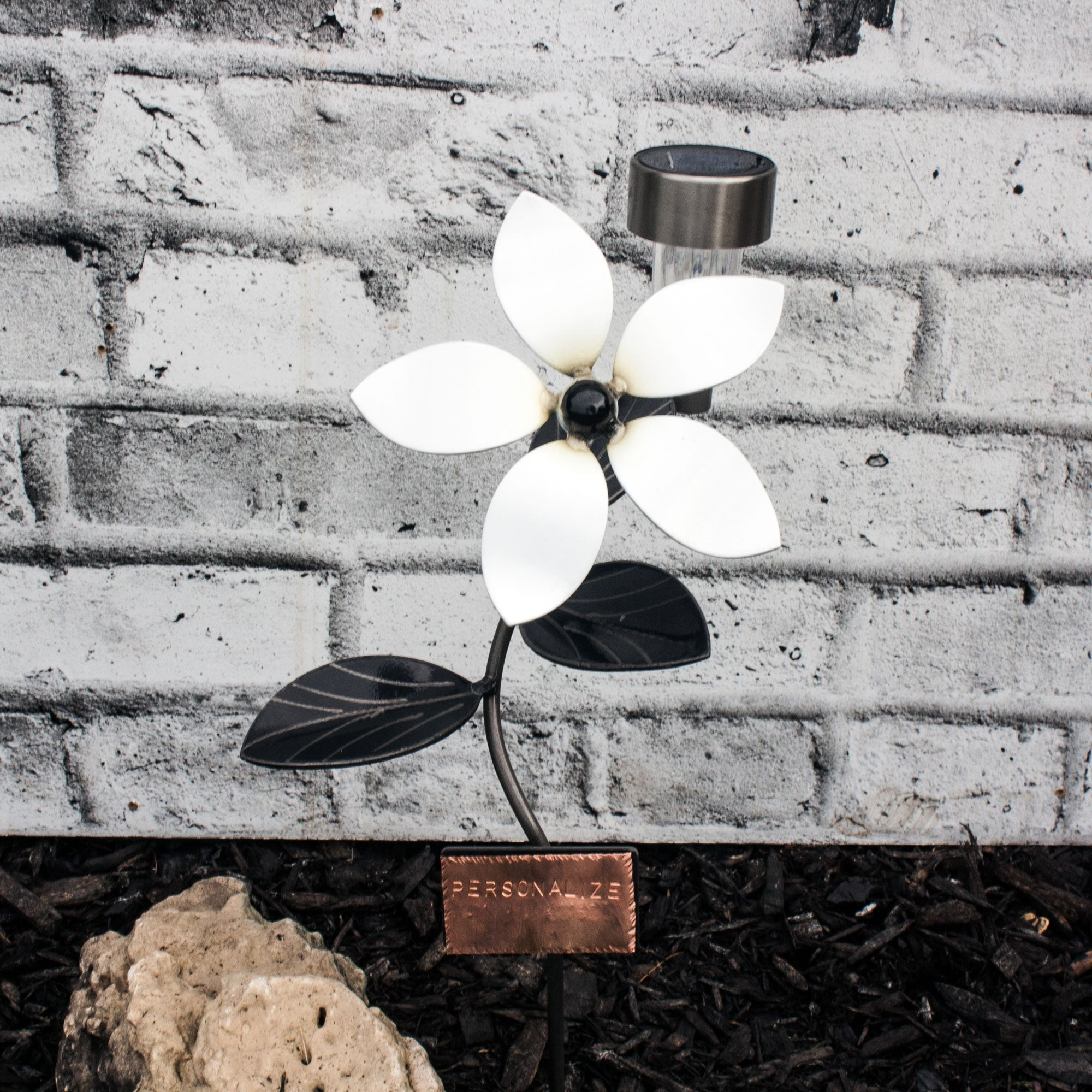 Metal Garden Art Flower Sculpture including customized plate