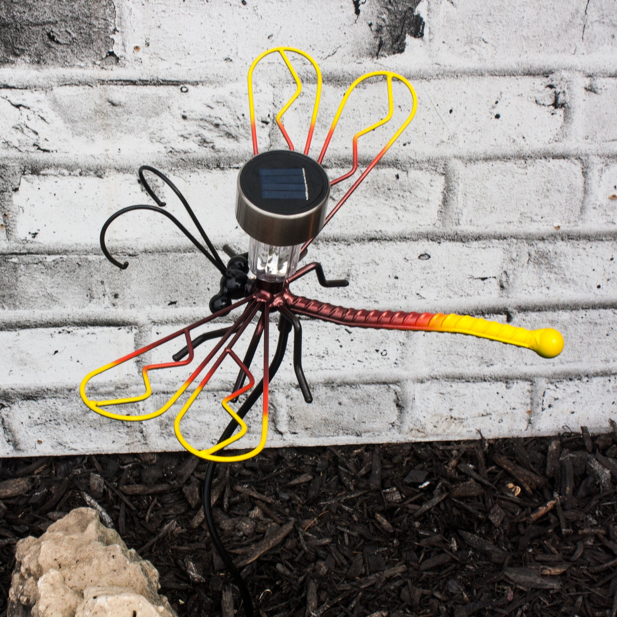 Large Wall-mounted Metal Art Dragonflies With A Solar Light On A Garden Stake