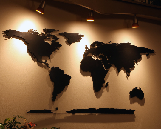 World map: Decorative Metal World Map Wall Art
