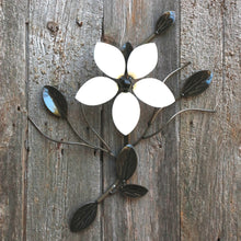Single Flower Vine: Metal Flowers On Vines = Wall-mounted Decor ̸ Décor