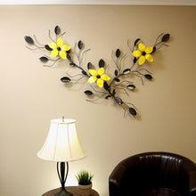 Decorative Three Flower Vine