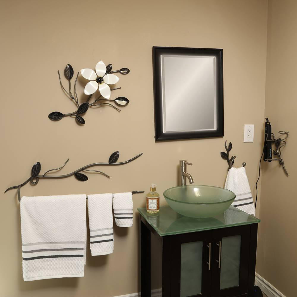 4 Pc. Bathroom Accessories: Metal Art For The Washroom
