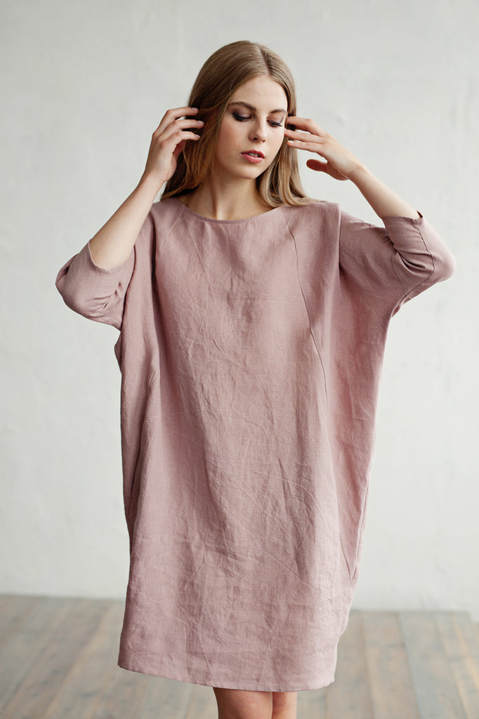 Stonewashed linen oversized dress in dusty pink
