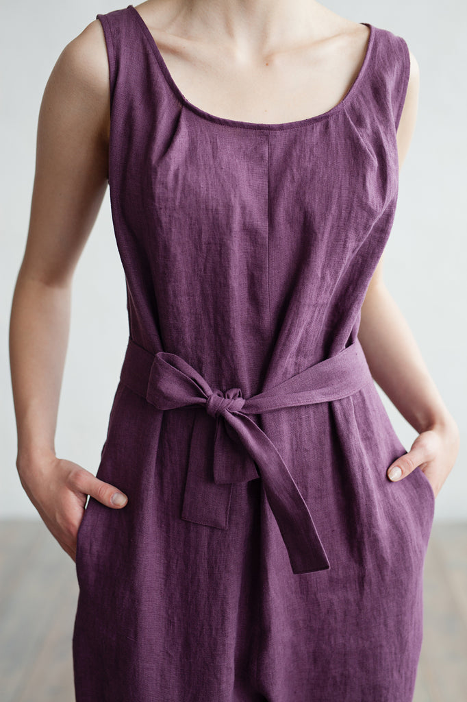 Softened linen overall suit in plum color