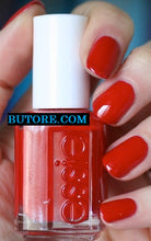 ESSIE REALLY RED