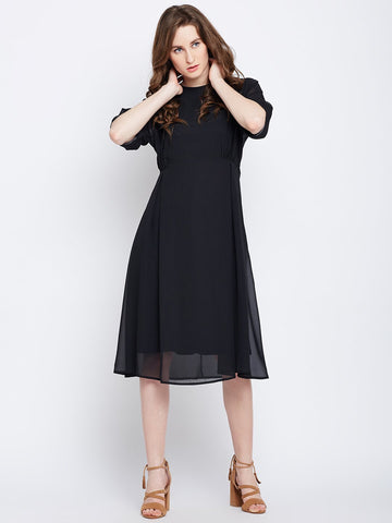 Black waist pleated midi dress