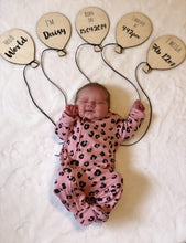 Balloon birth announcement set