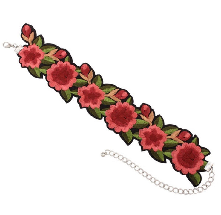 Necklace - Embroidered chocker #102
