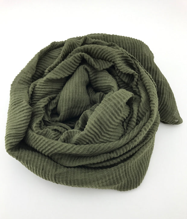 Crinkled hijab - army green (Last piece)